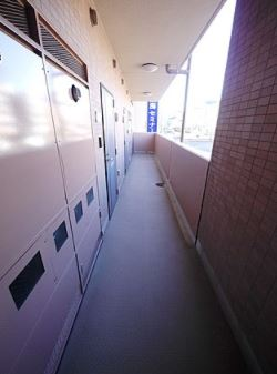 アクアパレス共用廊下
